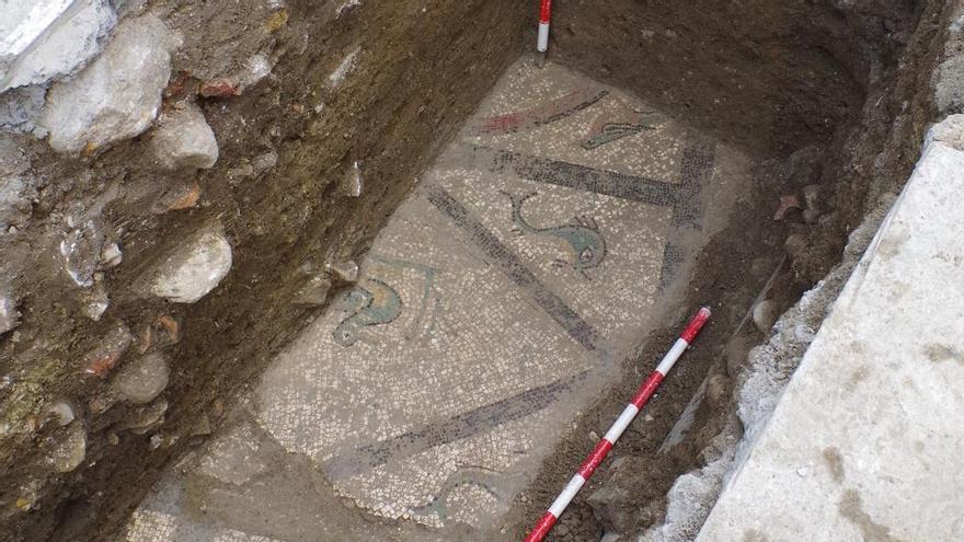 Hallan un nuevo mosaico romano en el centro histórico de Cártama