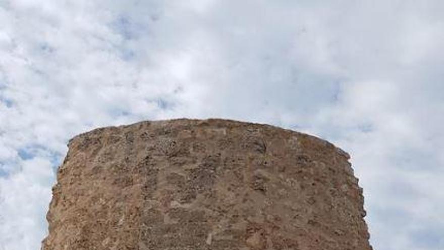 Finalizada la restauración de la Torre de Illetes del Castillo San Carlos