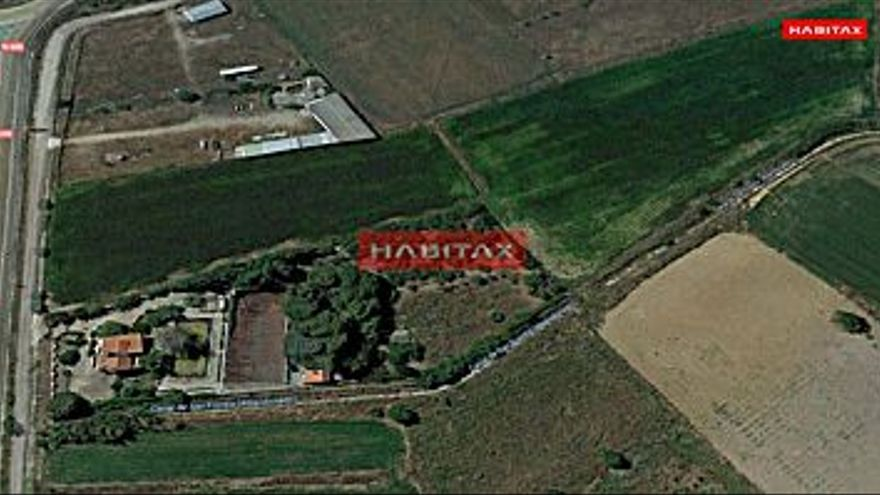 400.000 € Venta de casa en barrio pinilla (Zamora Capital) 212 m2, 4 habitaciones, 3 baños, 1.887 €/m2...