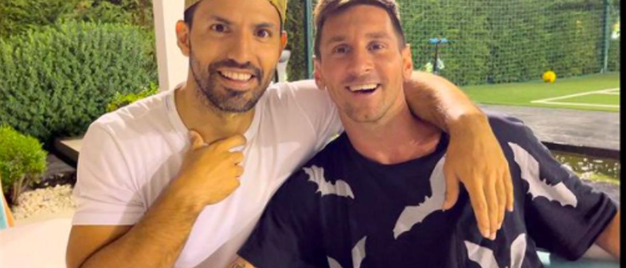 Kun Agüero y Messi, en la cena de despedida del excapitán del Barça.