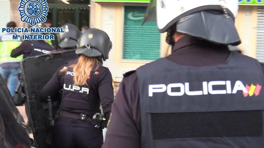 Dos clanes rumanos obligaban a 37 niños a robar a ancianos en cajeros de Madrid