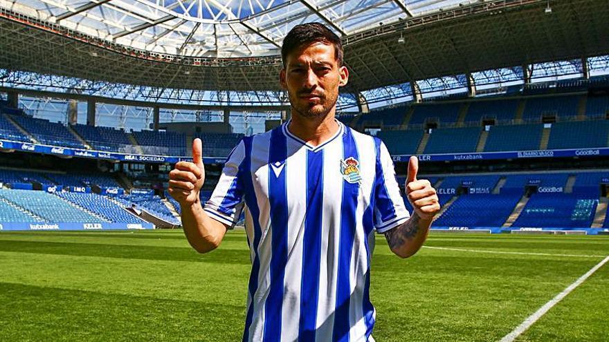La Real Sociedad presenta a David Silva antes de que diera positivo por COVID-19 y tuviera que confinarse