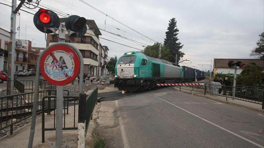 El Gobierno no se plantea por ahora cambiar el trazado ferroviario a su paso por Alcolea