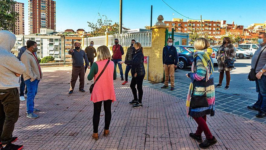 Vendedores del mercadillo se plantan en contra del Ayuntamiento de Benidorm