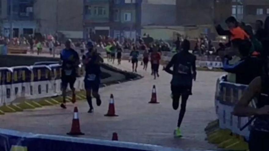 Julius Kiprono revienta el crono en la Cajasiete Gran Canaria Maratón 2019