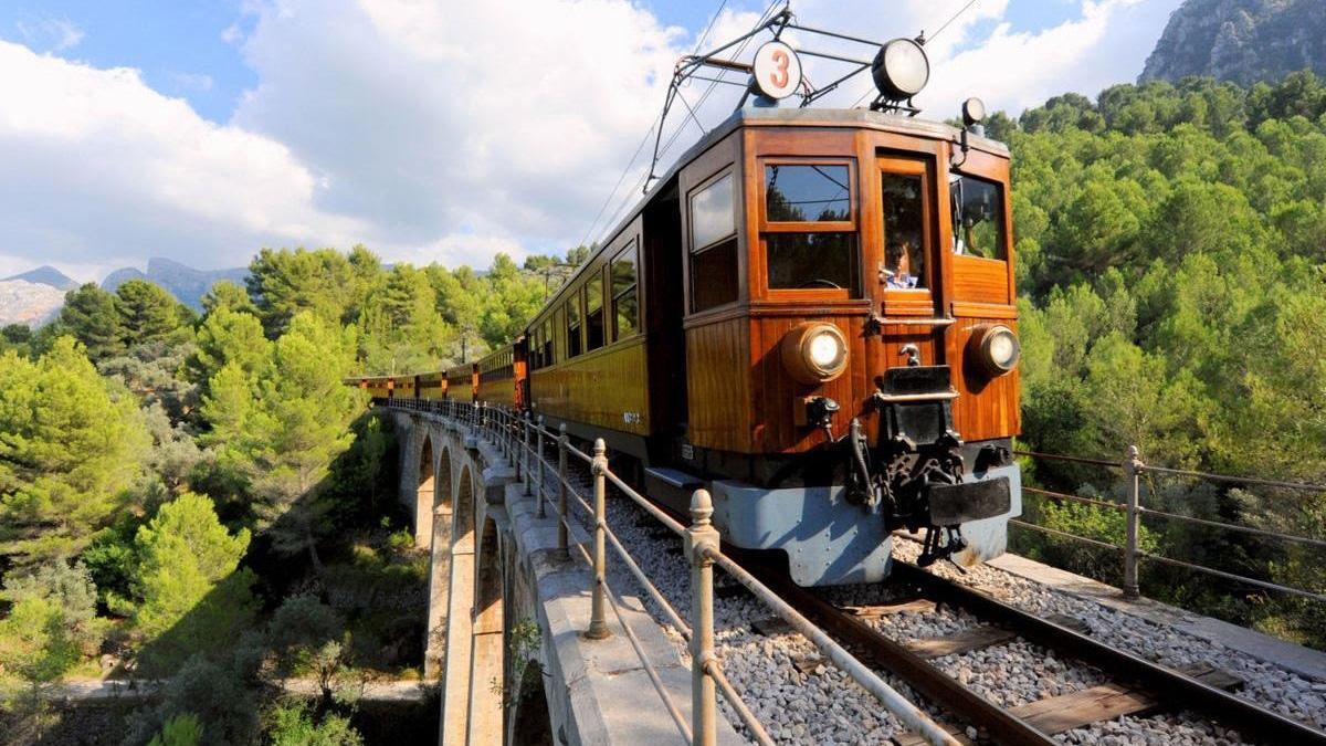 """El Tren de Sóller suspende su servicio por los """"graves y cuantiosos"""" daños del temporal"""