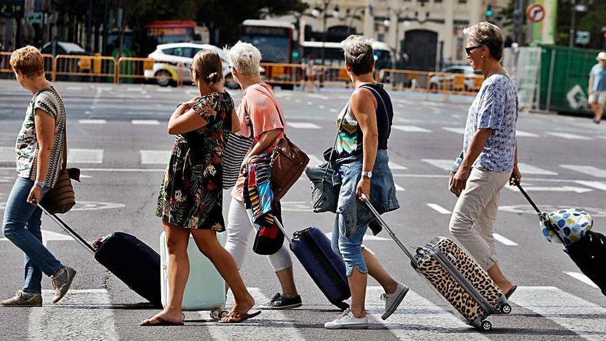 El sector turístic critica que la Generalitat planegi tornar a apujar la taxa turística a partir d'octubre