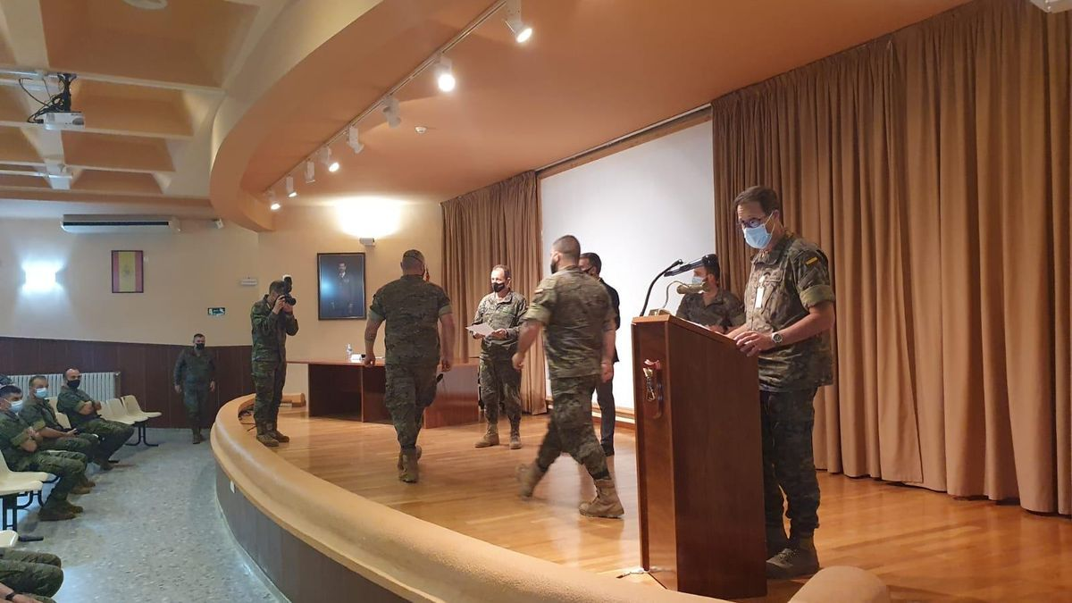 Militares de la Brigada Guzmán el Bueno X durante el taller de prevención de las adicciones.