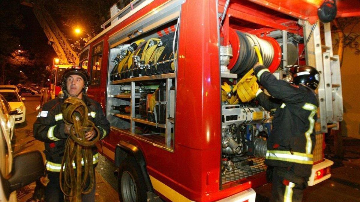 Fallece una mujer en un incendio de vivienda en Sevilla