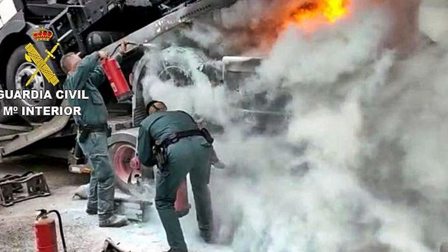 S'incendia un camió a la Jonquera