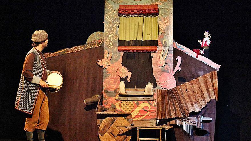 La Beneficència obri 'Tres finestres' al teatre, la música i el folklore valencià