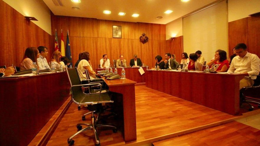 Dos ediles del PP se ausentan en el pleno de reprobación a Bascuñana