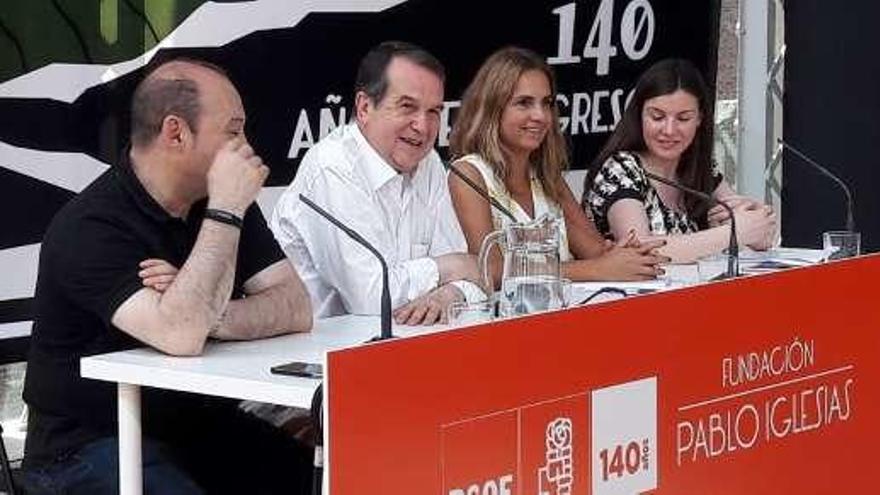 """Caballero participa en el ciclo """"Diálogos 140 aniversario"""" organizado por el PSOE y la Fundación Pablo Iglesias"""