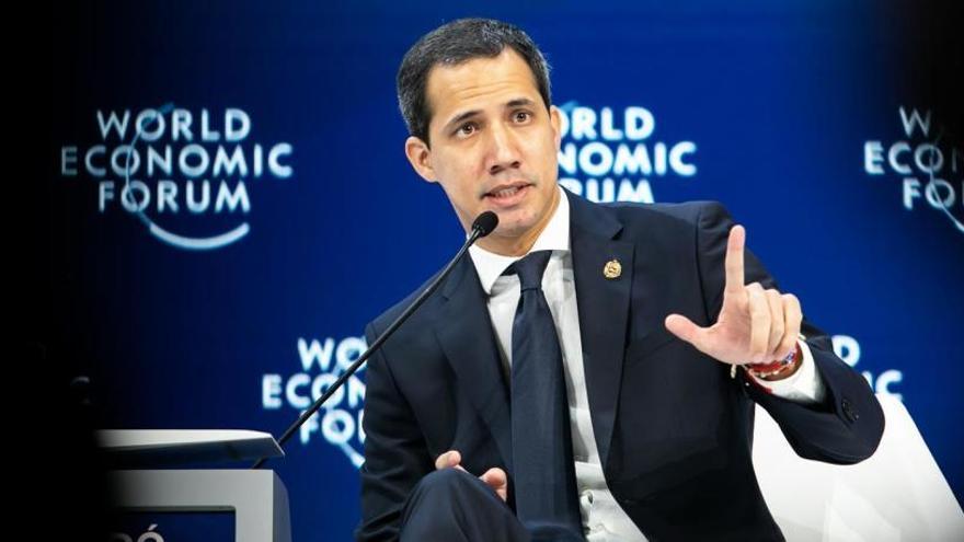 """Guaidó pide """"ayuda"""" para acabar con la """"dictadura"""""""
