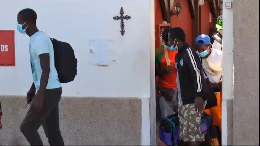 Traslado de inmigrantes desde la Iglesia Cristiana Moderna