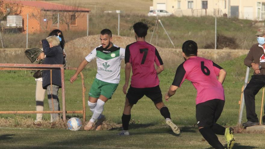 El Coreses sufre una derrota más en Salamanca