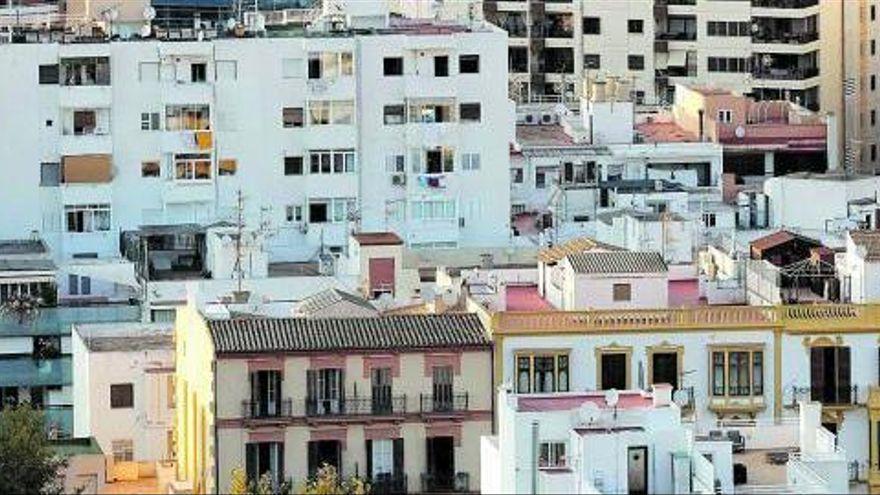 Ibiza y Formentera lideran en julio la ocupación de apartamentos turísticos
