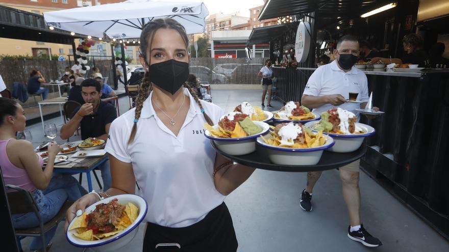 El turno de las comidas se dispara este verano en Castellón