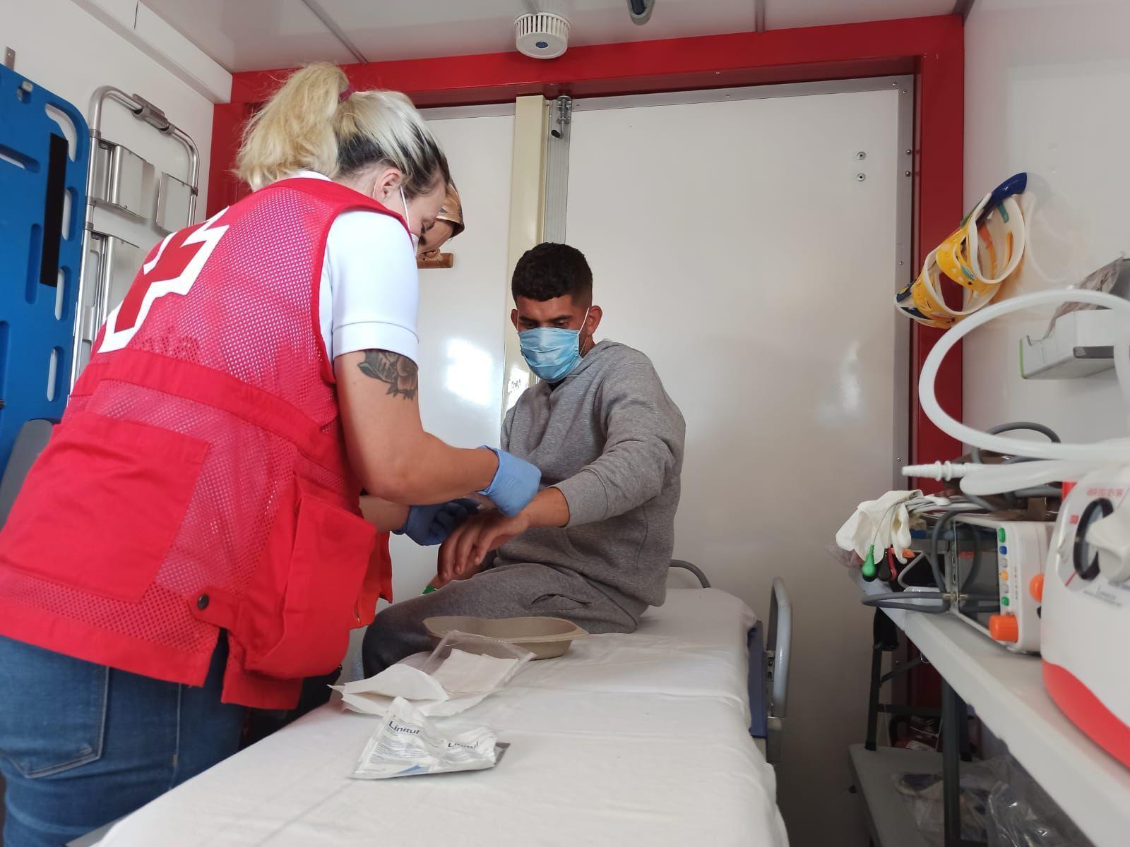 Llegan dos pateras a Xàbia y L'Alfàs del Pi con 22 inmigrantes a bordo