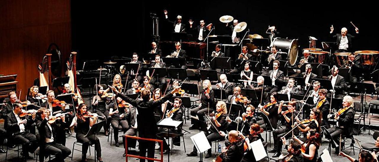 Un concierto de la OSPA en el teatro Jovellanos.