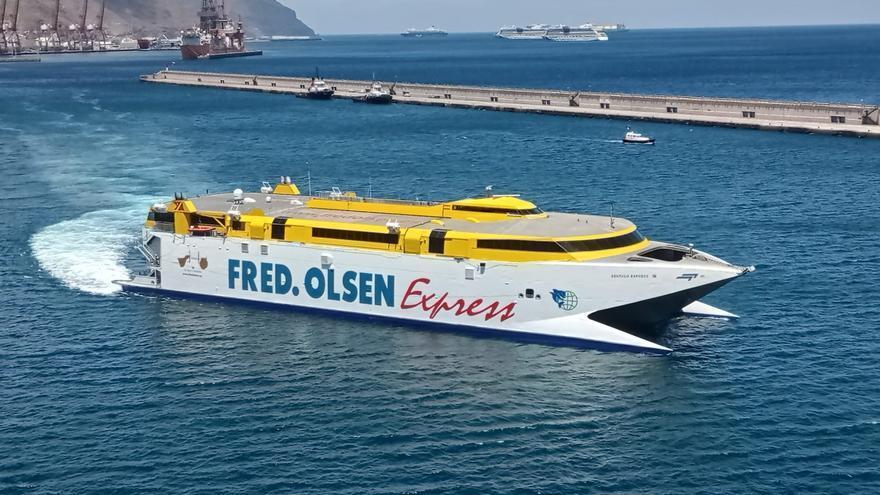 Fred. Olsen Express transporta un 27% más de pasajeros que el verano pasado