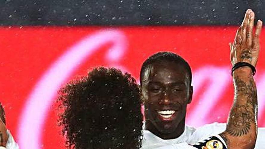 Els gols de Benzema i Mendy deixen el Madrid segon a cinc punts de l'Atlètic