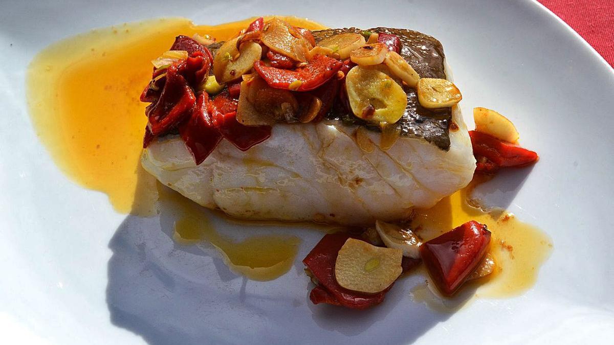 Un plato de bacalao a la bilbaína.