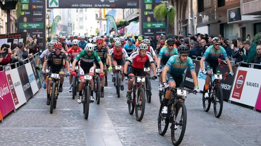 La Andalucía Bike Race arranca en Jaén con 504 inscritos