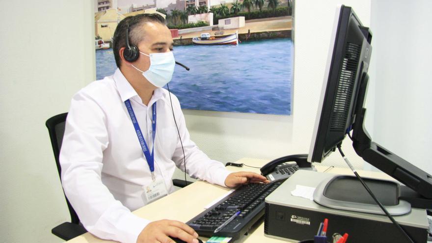 El Hospital Universitario de Torrevieja refuerza sus líneas telefónicas para solicitar cita previa en los centros de salud