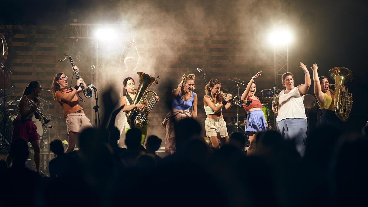 La Balkan Paradise Orchestra ofereixen un concert a Viladamat el 31 de juliol