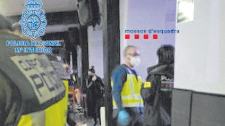 Interior expedienta l'hotel de Capmany on es van trobar dones prostituint-se