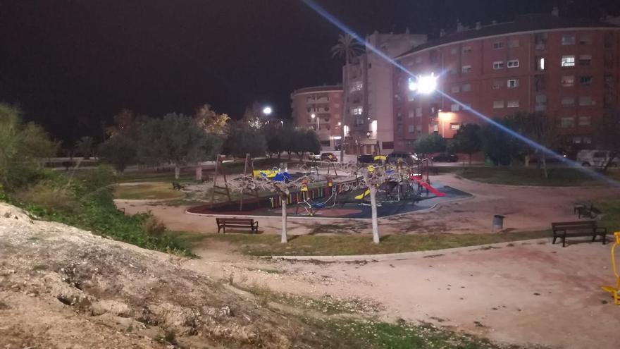 El Parque municipal del Salitre mejora su iluminación y sus juegos
