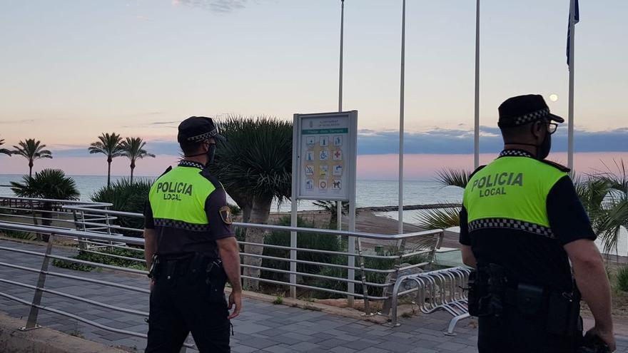Benicàssim notifica 60 sanciones con el toque de queda desde su inicio el 12 de julio
