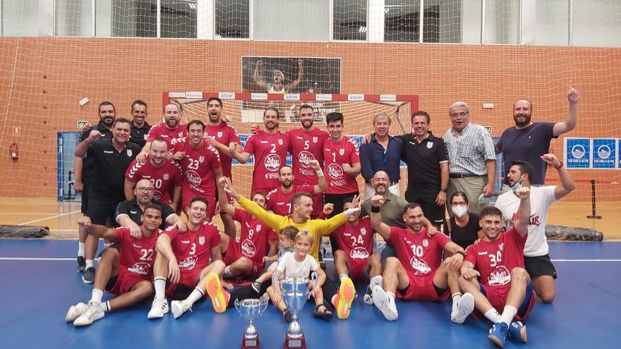 El Eón Alicante rompe la hegemonía del Benidorm y conquista la Copa Comunitat (26-29)