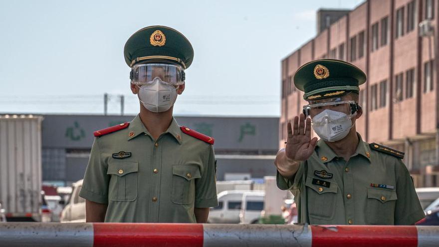 Detienen a un disidente chino por acusar al Gobierno de gestionar mal la pandemia