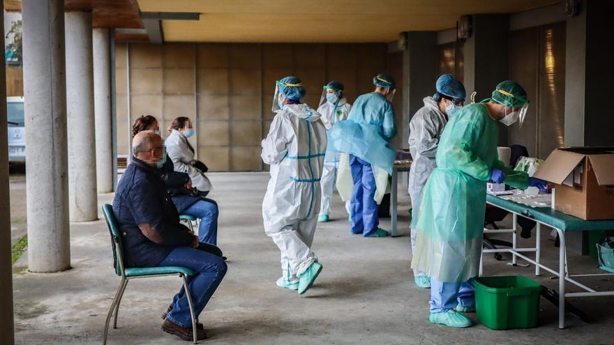 Alertan de la que la huida de profesionales dificulta contratar sanitarios en verano en Extremadura