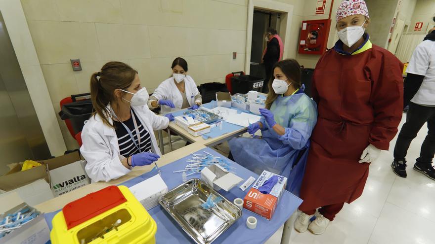 Salud Pública decide no retrasar la segunda dosis de las vacunas Pfizer y Moderna