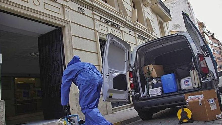 Sanidad aísla a tres compañeros de la funcionaria contagiada por COVID en los juzgados de Zamora