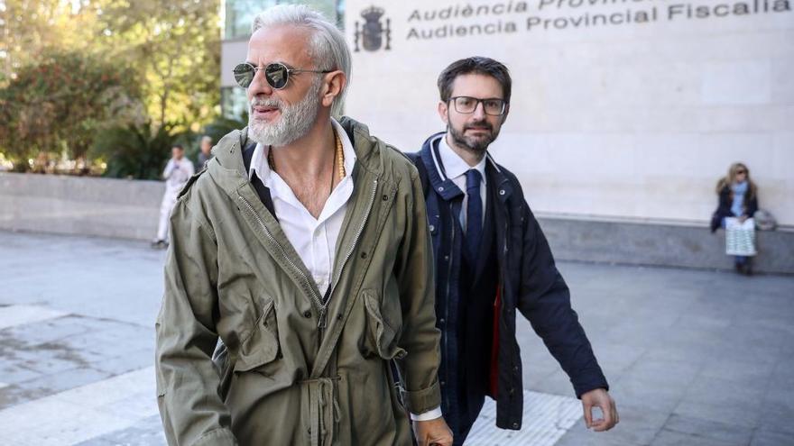 El yonki del dinero arrastra a Rosa Pérez (EU) y Betoret (PP) al juzgado