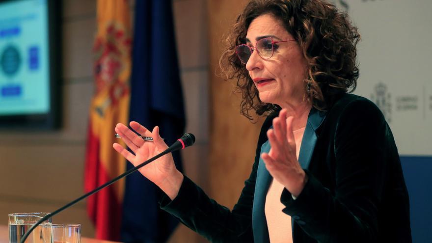 Montero asegura que abonará a las comunidades el IVA de 2017