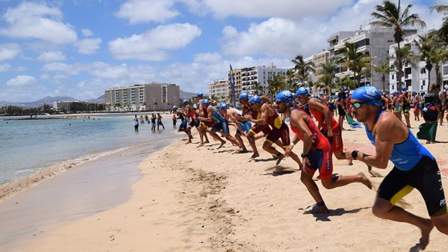 Jorge Wilkes y Raquel Arostegui vencedores del XVII Triatlón Ciudad de Arrecife – RCNA