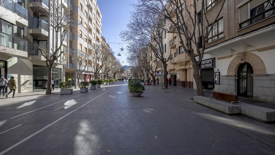 Los negocios cerrados por el Govern recibirán 1.500 euros mensuales y no deberán pagar las basuras