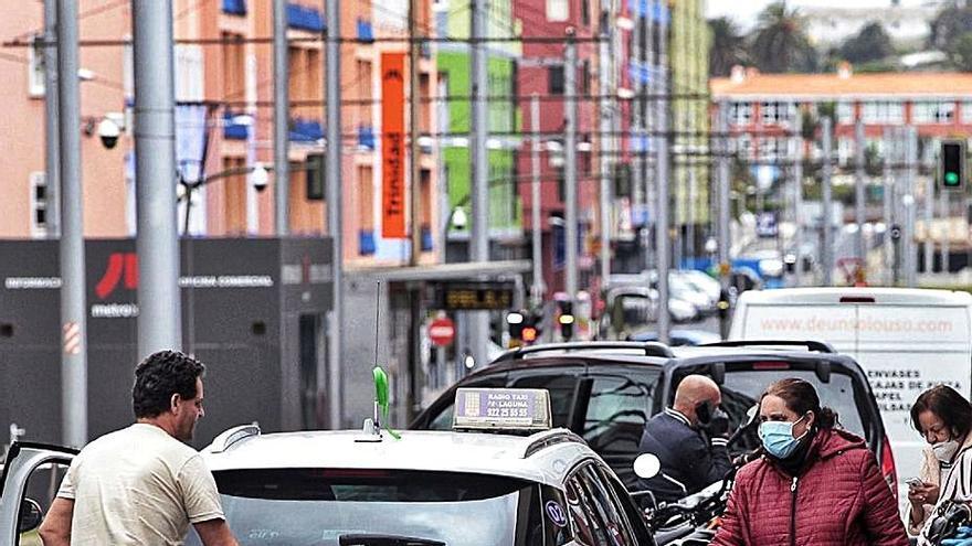 Los taxistas reciben una ayuda de 1.700 euros para afrontar la crisis