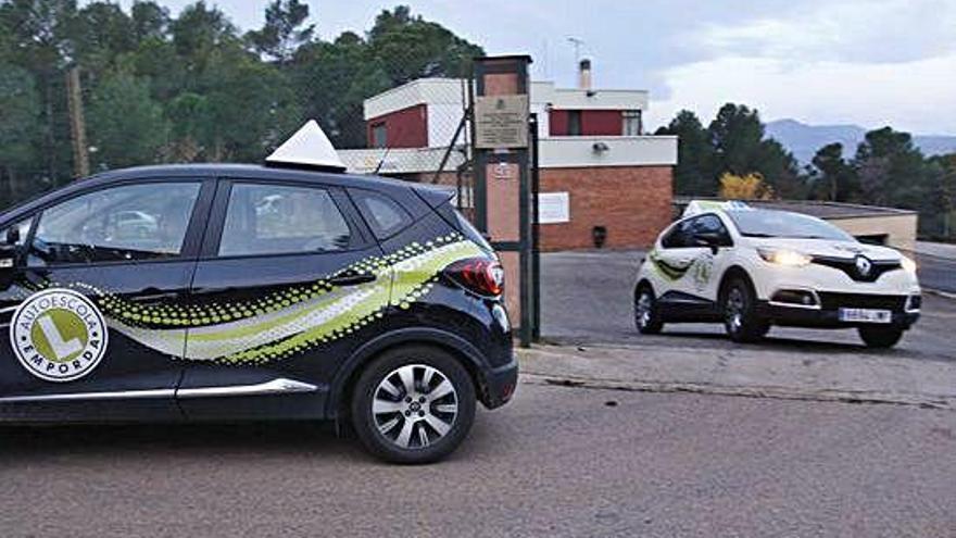 Més d'un mes d'espera a Girona per obtenir el permís provisional de conduir