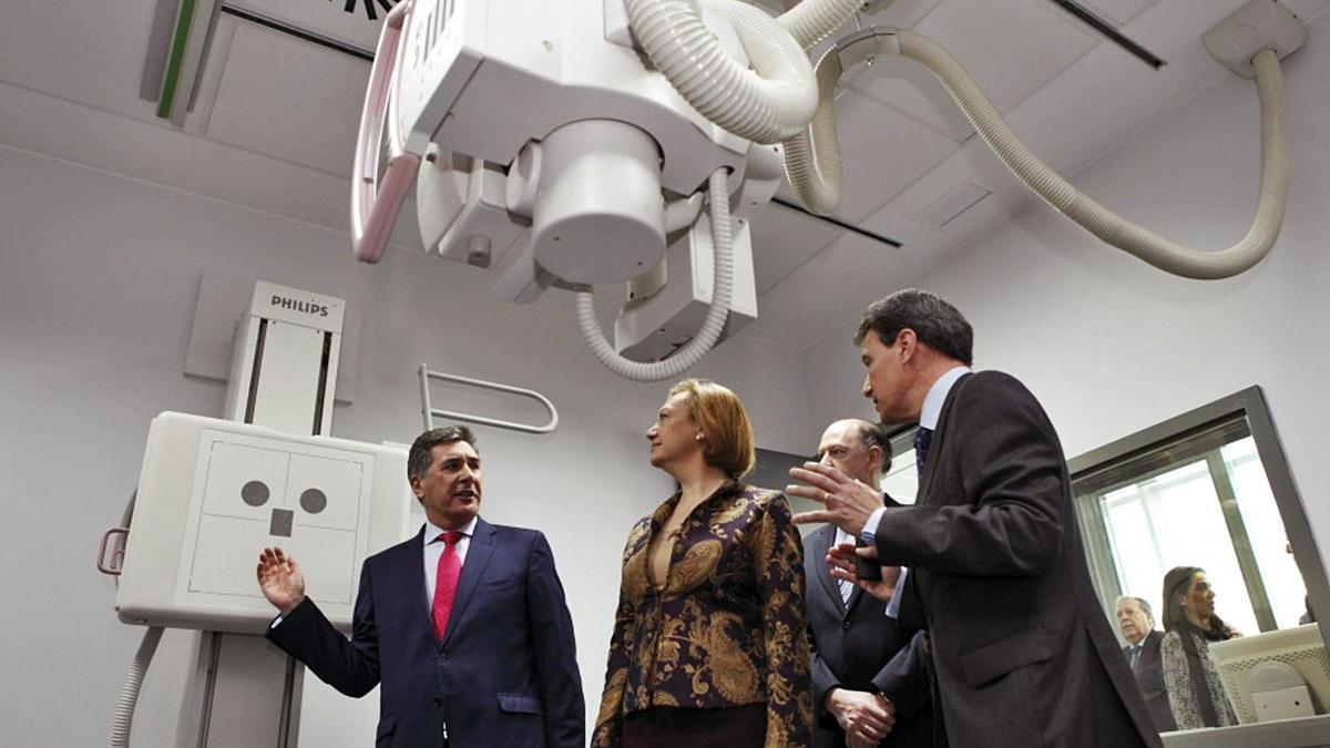 El exconsejero de Sanidad Ricardo Oliván y la expresidenta de Aragón, Luisa Fernanda Rudi, fueron los impulsores de la jubilación anticipada de los médicos.