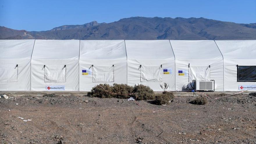 Agüimes pide parar la construcción del campamento de inmigrantes en Arinaga