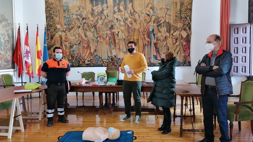 Toro reconocerá con la medalla de oro de la ciudad a Protección Civil, Bomberos y Policía