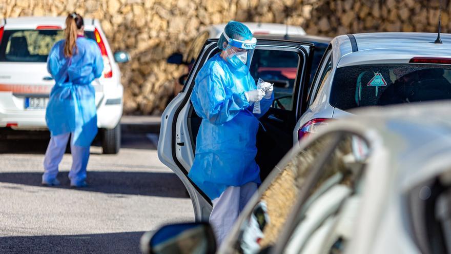 La Marina Baixa registra 691 nuevos positivos por coronavirus y siete fallecidos