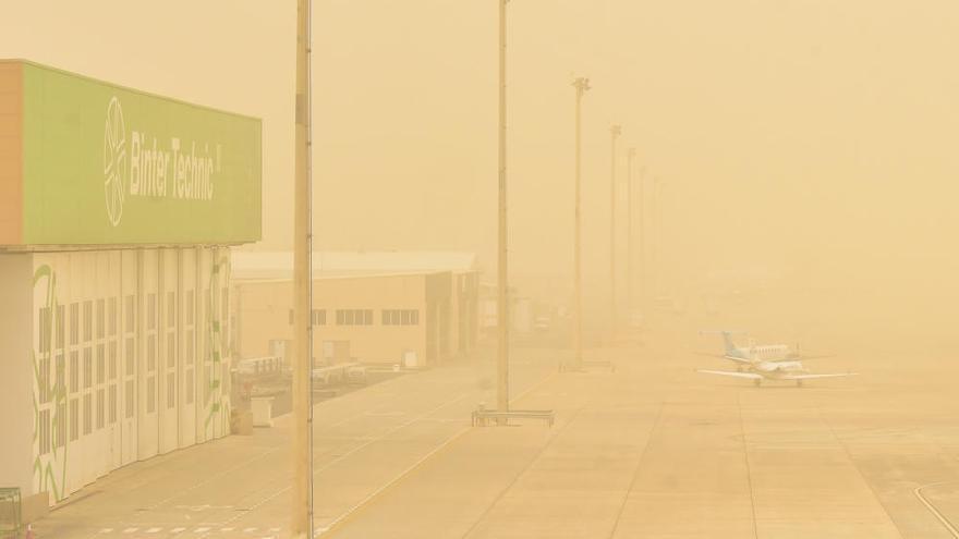 La calima en el Aeropuerto de Gran Canaria