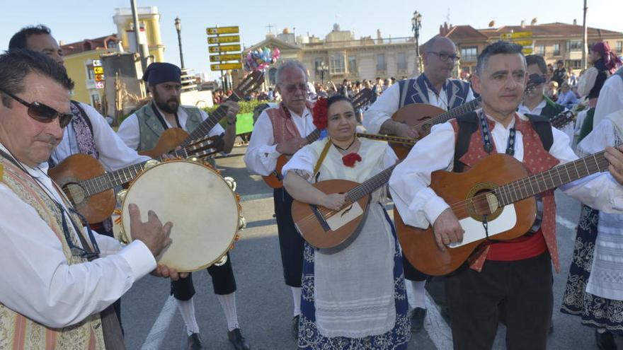 Invitan a los murcianos a poner 'La Parranda' desde el balcón para celebrar el Bando